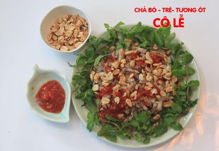 Tré Đà Nẵng ăn cùng với tương ớt